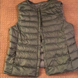 Down vest size XL